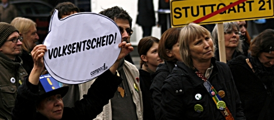Aktion zu Stuttgart 21 vor dem Stuttgarter Rathaus
